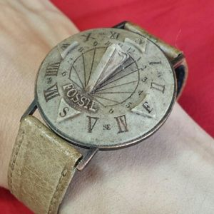 Vintage 1980's Collectible Fossil Sundial Watch